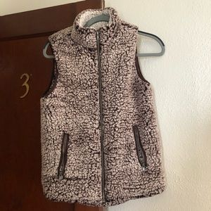 URBAN OUTFITTERS FLEECE VEST